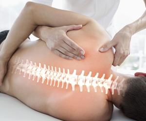 Quiropraxia (alineamiento de la espalda)
