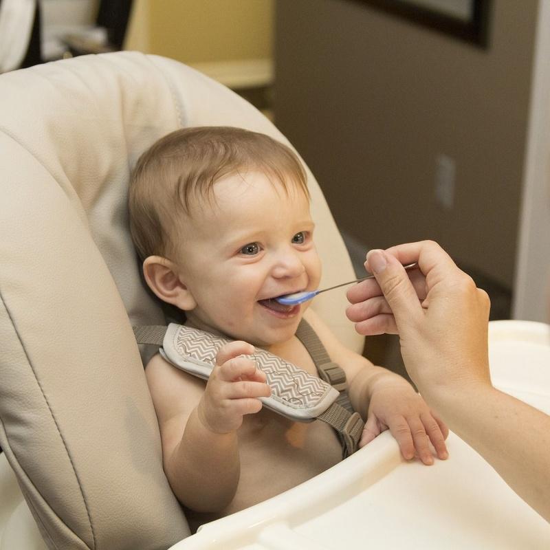 Limpieza de sillas de niños: Servicios de DRY CLEAN & LAUNDRY