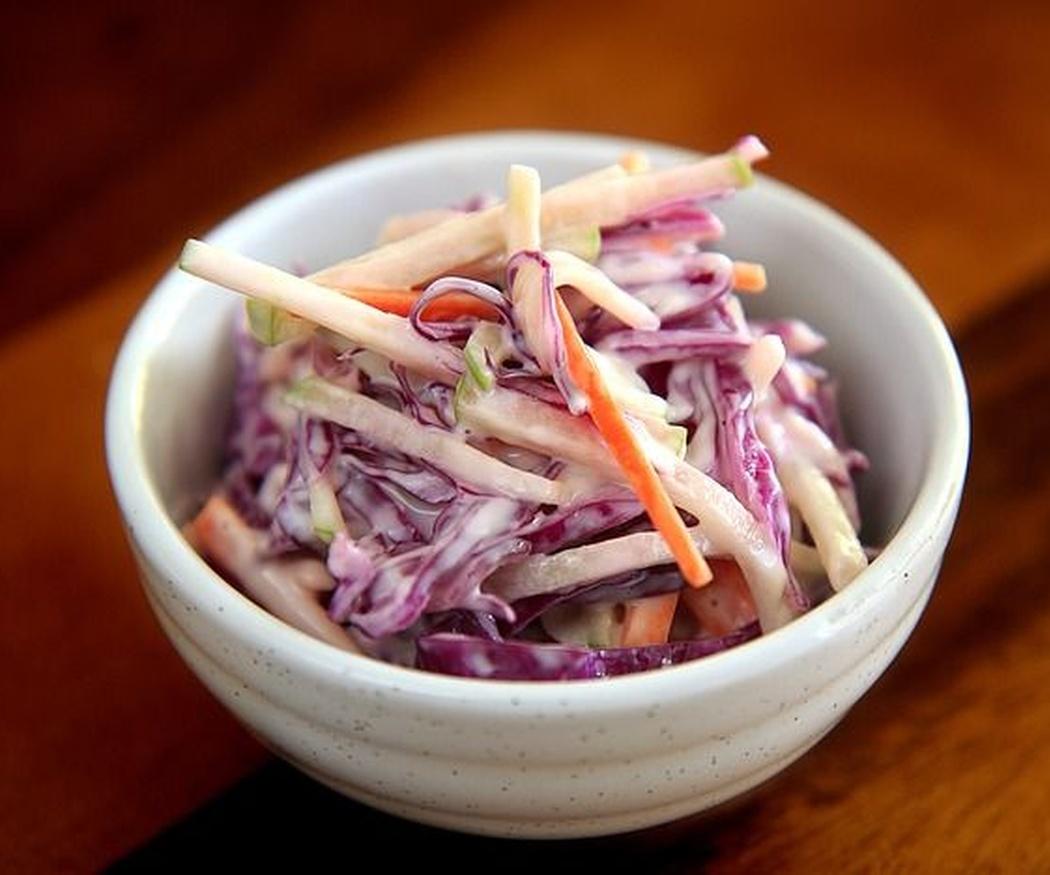 Cómo preparar ensalada de coleslaw con zanahoria