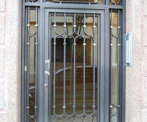 Puertas metálicas. Puertas en acero inoxidable