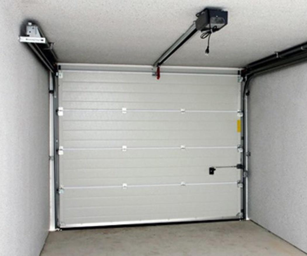 La importancia de mantener limpios los garajes