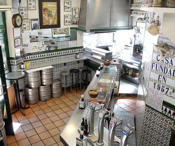 Interior de nuestro bar de tapas en Prosperidad, Madrid