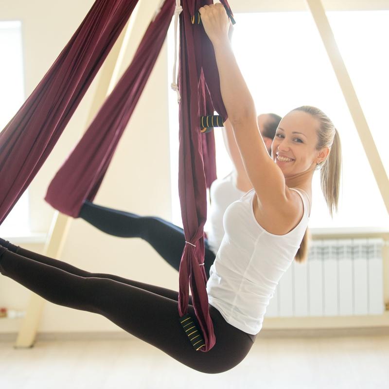 Yoga en columpio: Clases y Terapias de Ama Centro de Yoga Tenerife