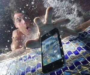 ¿Se te ha mojado tu smartphone?