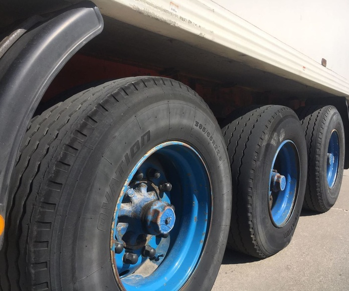 LUCAS: Vehículos industriales de Emirtrucks Trading