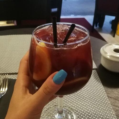 Disfruta de un vino en Lloret de Mar