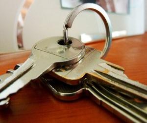 ¿Dónde guardar las copias de las llaves de casa o del coche?