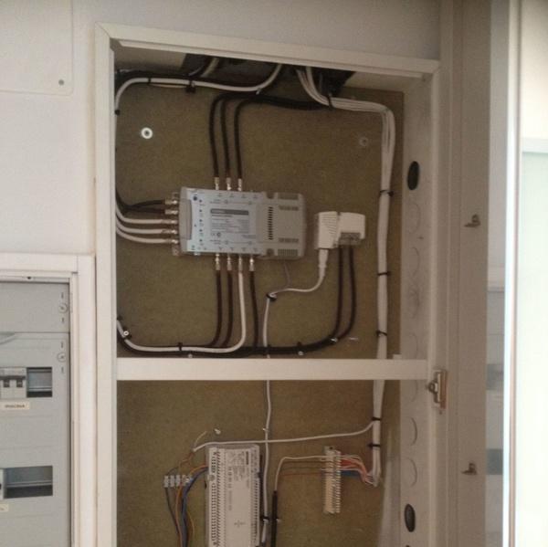 Instalación telecomunicaciones: Servicios de Electricidad Buades Fercres