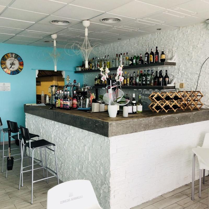Traspaso pizzería italiana Puerto Colon Torviscas Bajo Costa Adeje: Compra y venta de inmuebles de Tenerife Investment Properties