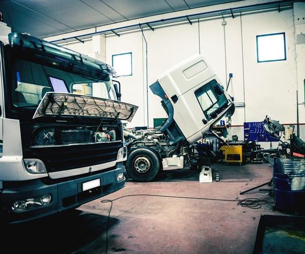 Taller especializado en vehículos industriales en Tenerife