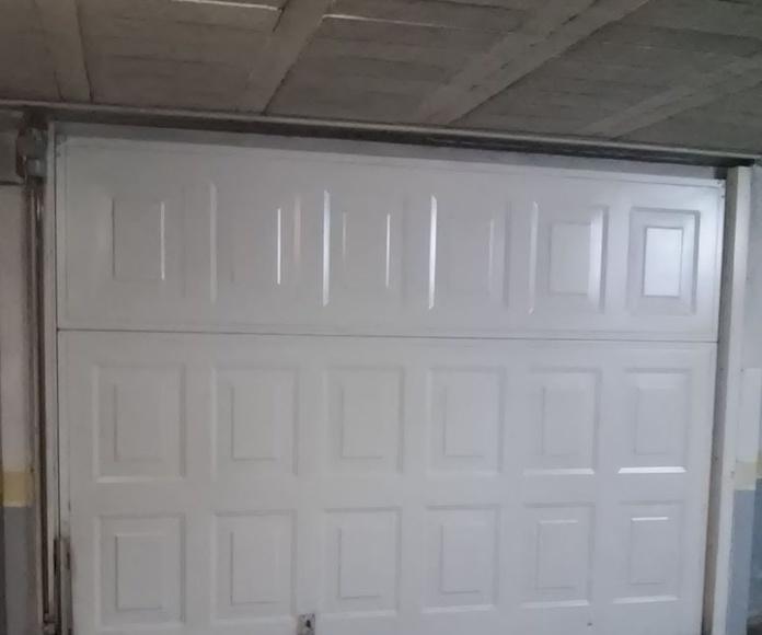 Instalación, marcado CE y mantenimiento de puertas de garaje y sistemas: Servicios de Vitex Ascensores