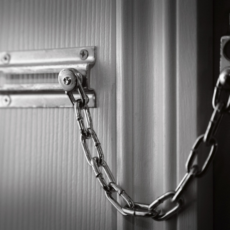Colocación de cerrojos: Servicios de Cerrajeros Aragón