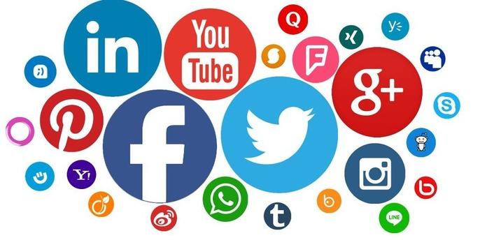 Redes Sociales : Servicios  de AARM- Rodríguez y Macías Abogados