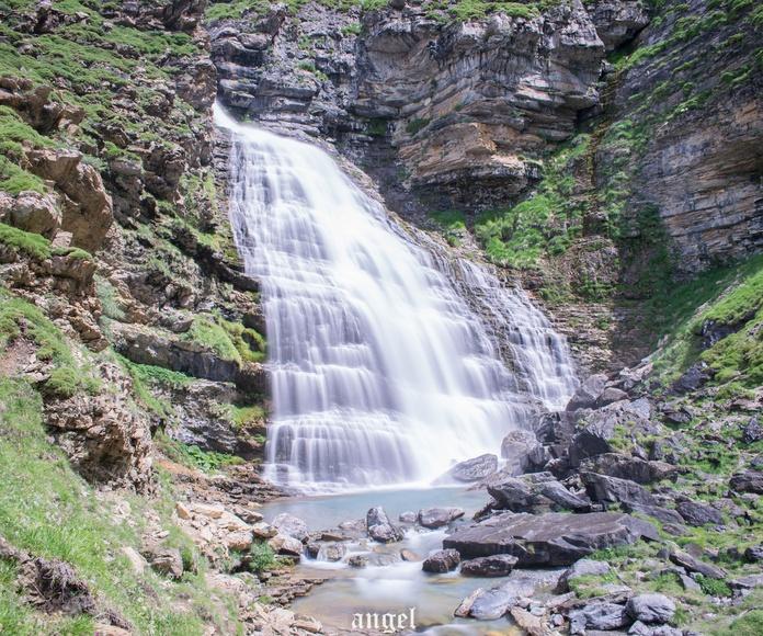 Valle de Ordesa, cascada Cola de Caballo. Fotografía realizada por Ángel Hernández en Julio de 2018