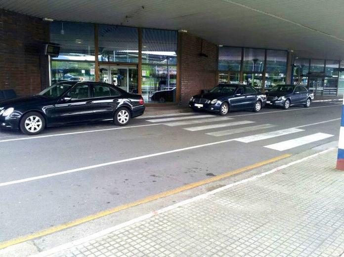 Nacionales e internacionales: Servicios  de Taxi Mercedes Hondarribia