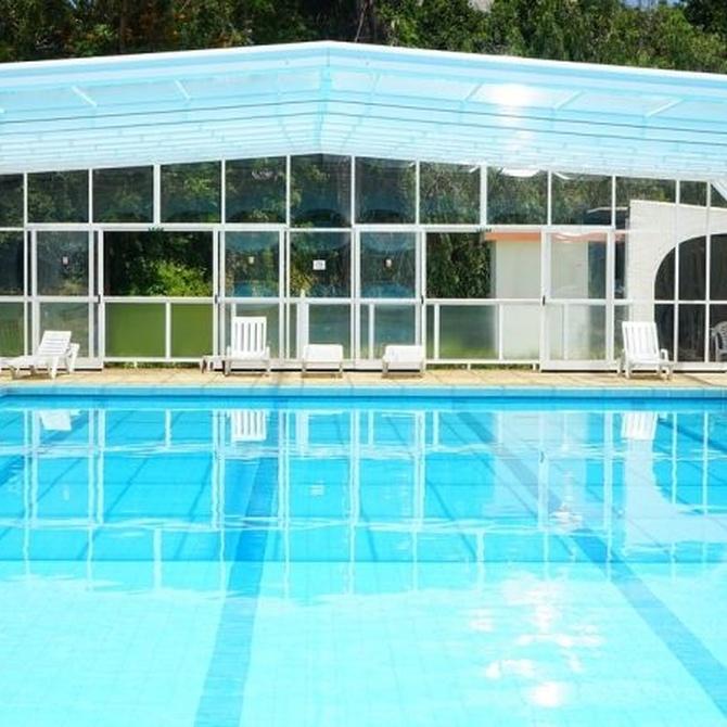 Techos de aluminio fijos o móviles para piscinas