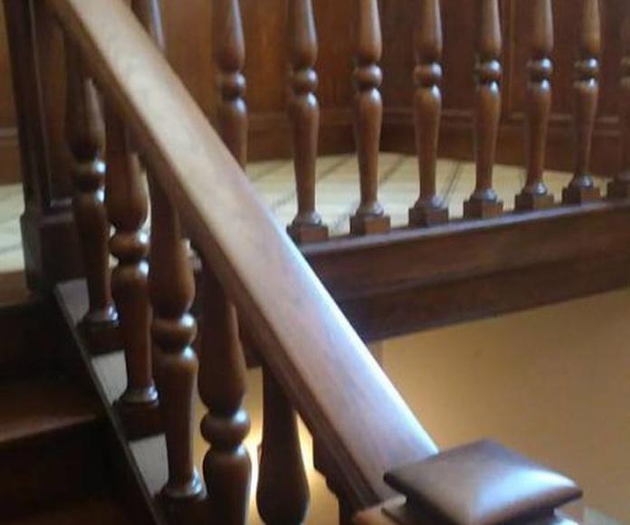 Restauración de mobiliario: Servicios de Hnos. Sánchez