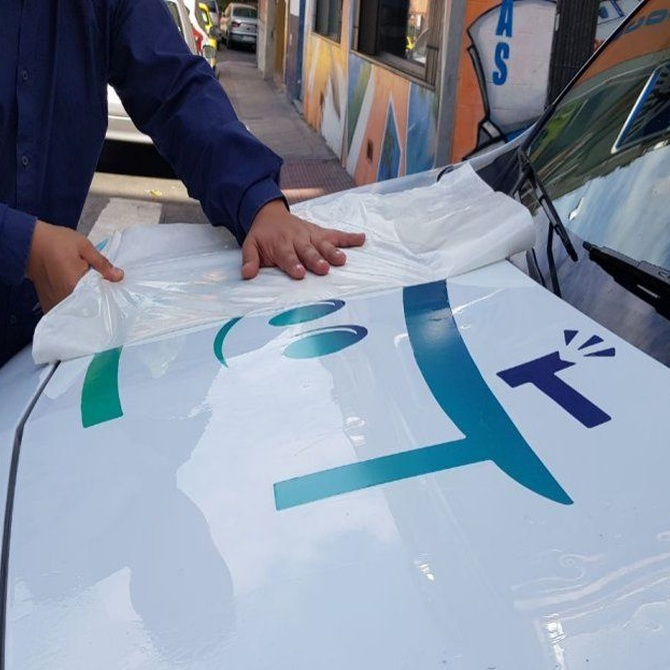 Cómo conseguir una rotulación de vehículos eficaz