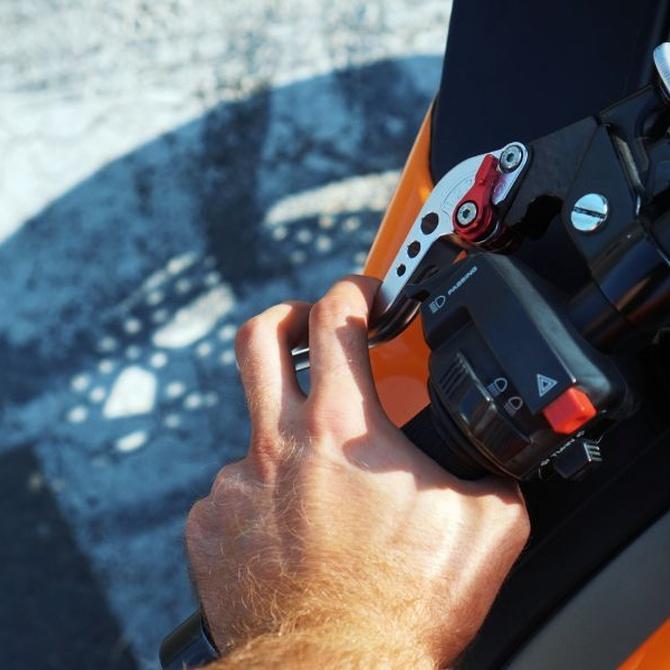 ¿Por qué es importante revisar el embrague de tu moto?