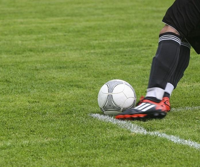 Campos de fútbol, de voleibol y de tenis mesa: Servicios de Gimnasio Equacat
