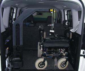 Instalación de grúa en parte posterior del vehículo
