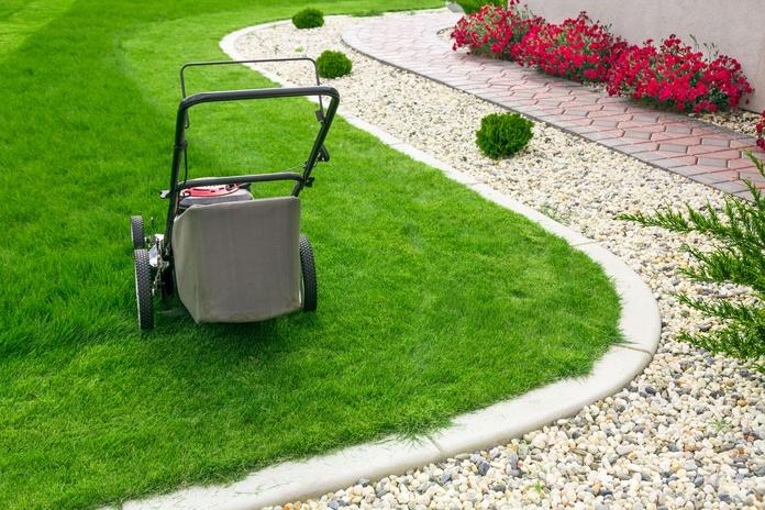 Venta y Reparación de Maquinaria de Jardinería: Servicios de Cerrajería Checa