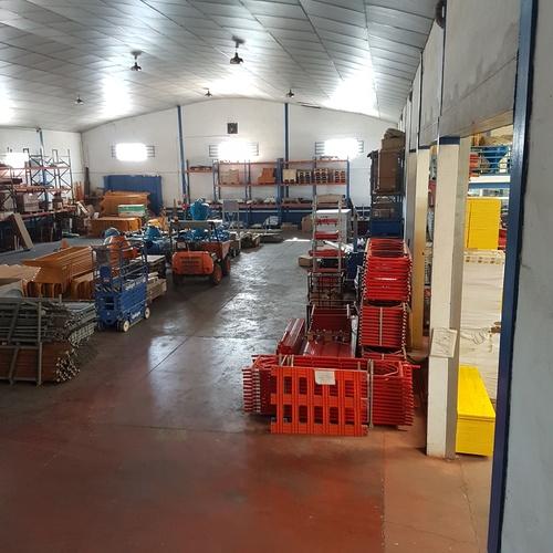 Almacén de maquinaria en Ciudad Real
