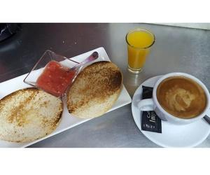 Desayunos y bocadillos especiales