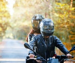 3 trucos para que no se empañe la visera de tu casco