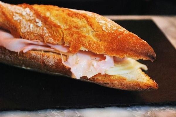 Bocadillos y Hamburguesas: Restaurante de Restaurante Robines Americano