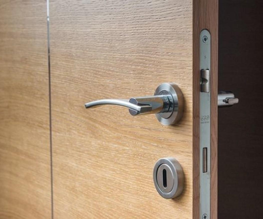 Pautas para limpiar y conservar las puertas de madera
