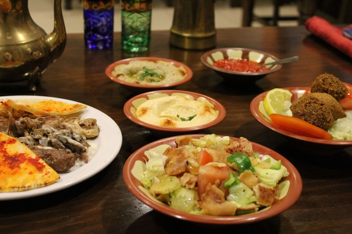 Menú Mediodía Sábado 13,50: Menús de Les Mil i Una Nits