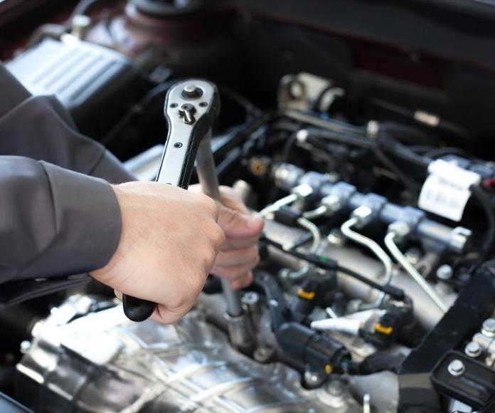 Mecánica en general: Servicios de Automóviles Santos