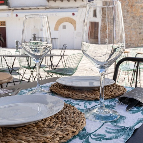 Disfruta en un restaurante con menú diario en Ibiza