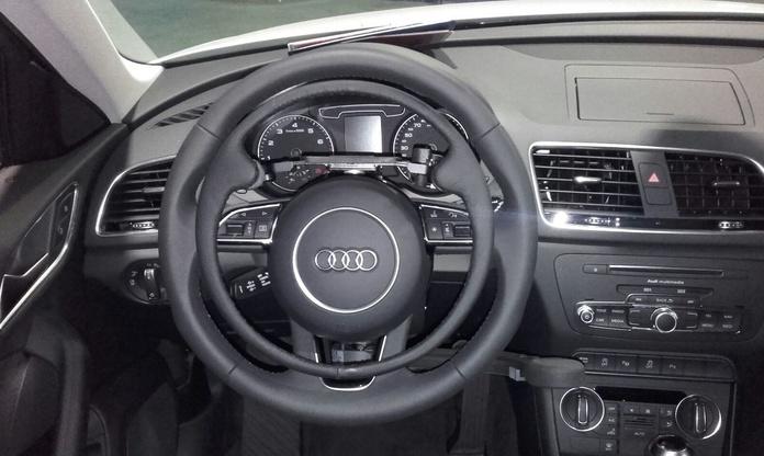Acelerador elco de aro extraible y freno manual en Audi Q3
