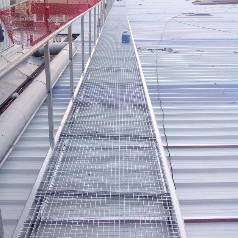 Pasarela metálica en EHLIS SA (Sant Andreu de la Barca): Trabajos realizados de Global Metall, S.C.P.