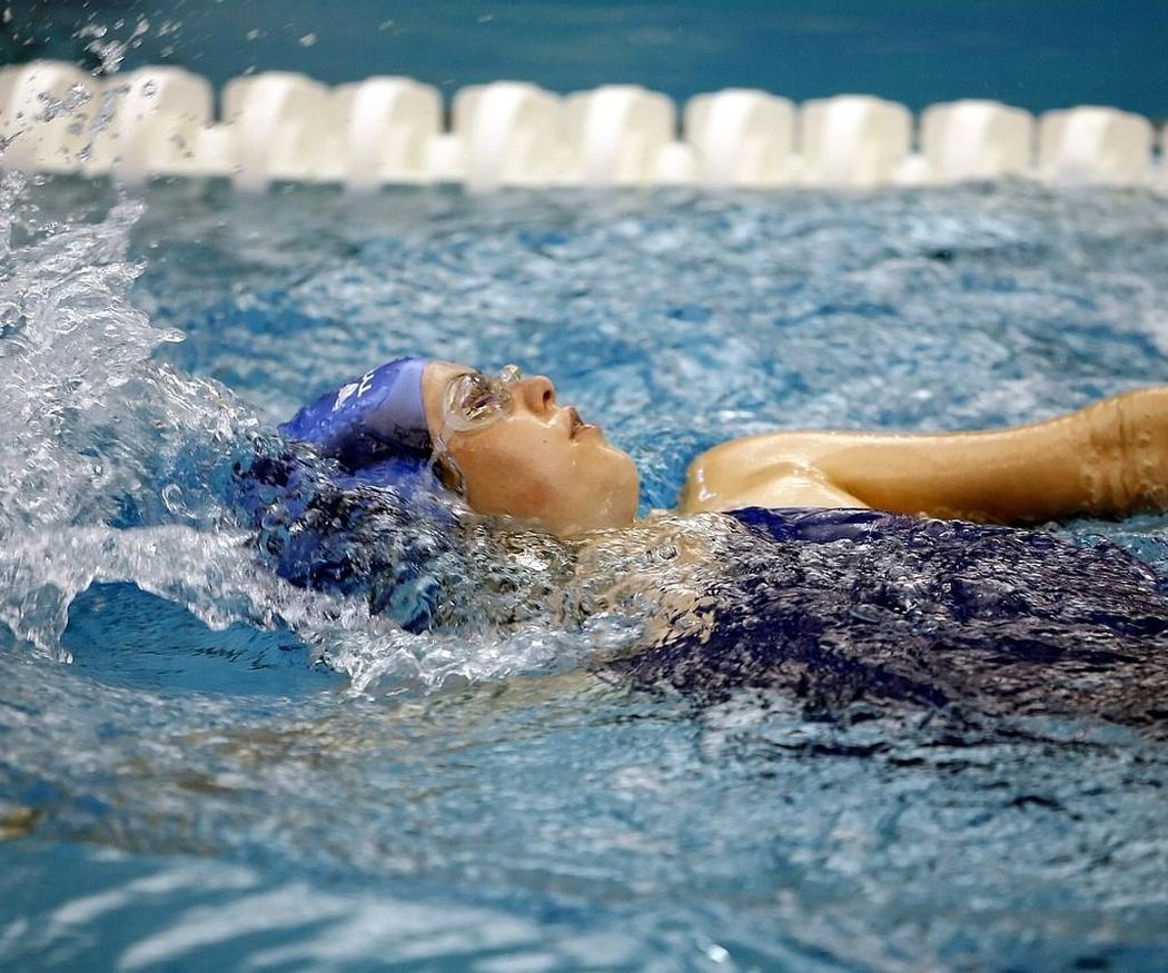 Todo lo que puede aportarte la natación
