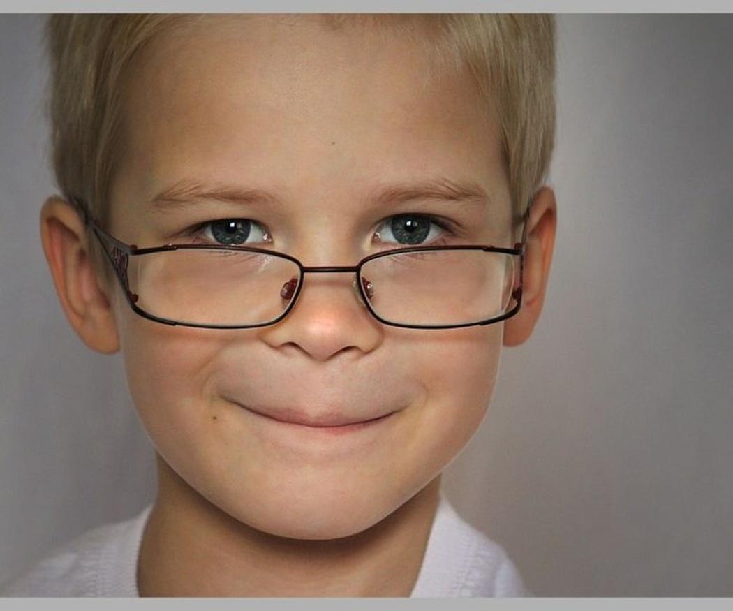 La importancia de las gafas para niños