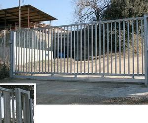 Fabricación y colocación de puertas metálicas