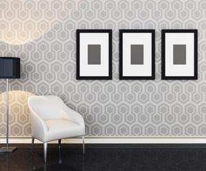 Ideas para combinar paredes empapeladas con paredes pintadas