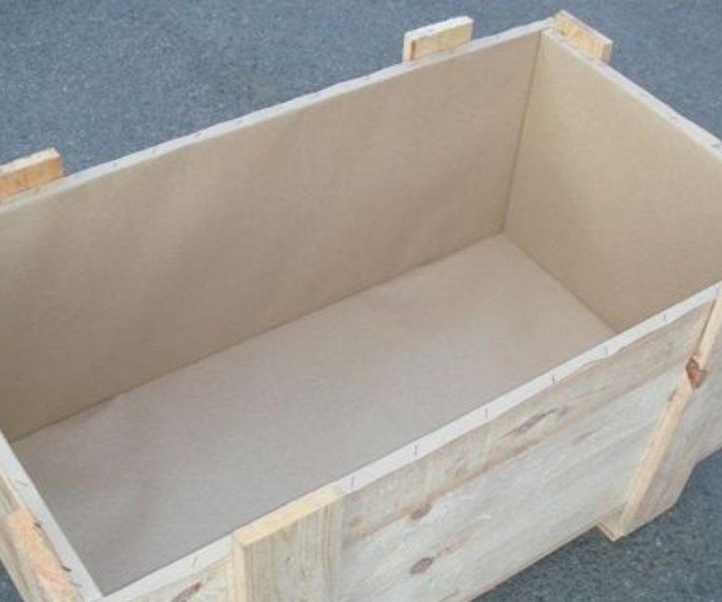 Los cajones de madera para mercancías