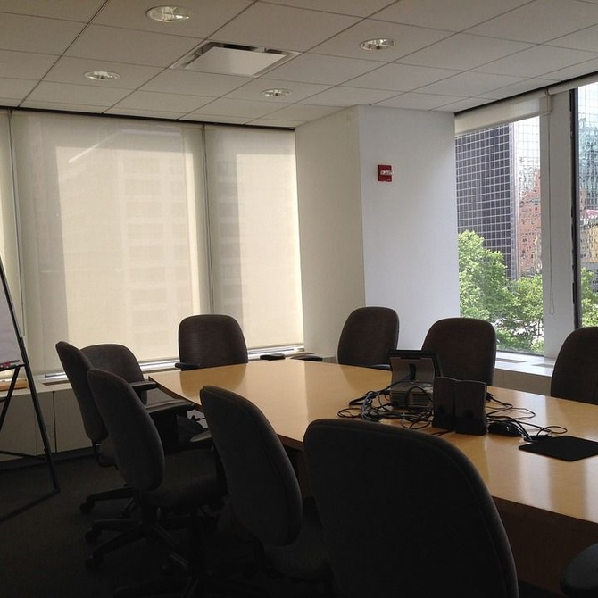 Tipos de mesas para las salas de reuniones