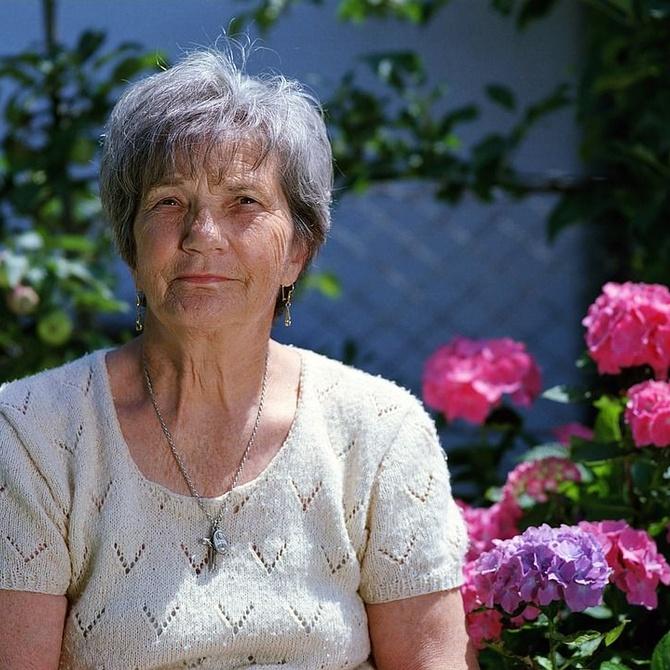 Beneficios de la asistencia a distancia para los familiares de personas mayores