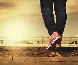 ¿Cuáles son las lesiones de los pies típicas en los deportistas?