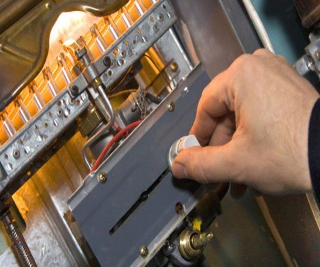 Los peligros de contratar un servicio técnico no oficial para tu caldera