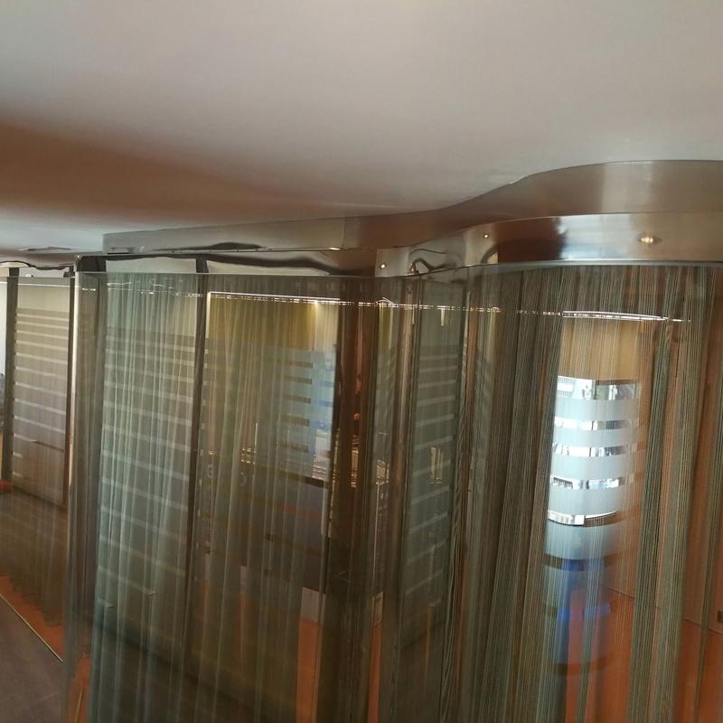 Separaciones de vidrio y acero inoxidable para oficinas