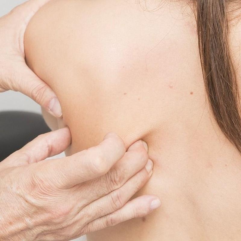 Taller de iniciación al masaje: Tratamientos naturales  de Raices Rojas