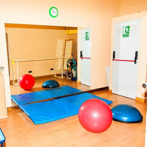 Zona de ejercicios de rehabilitación y sala de Pilates.