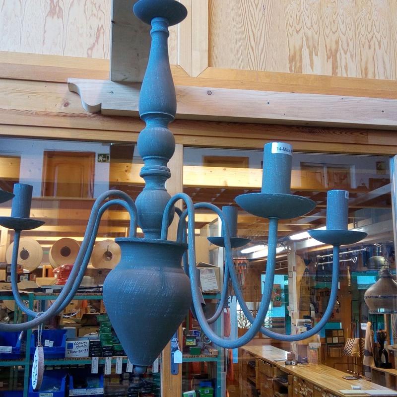 Lámpara 5 brazos metal madera en gris