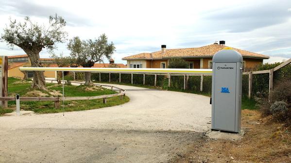Barreras automaticas: Servicios of Navatek Puertas Automáticas SL
